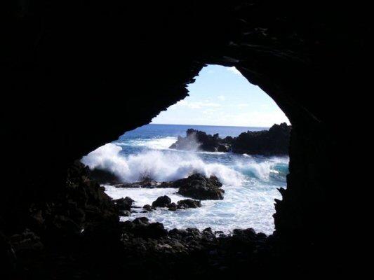 grotte til rongoceremoni
